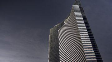 Enjoy 55 floors of high rise living in Vdara.